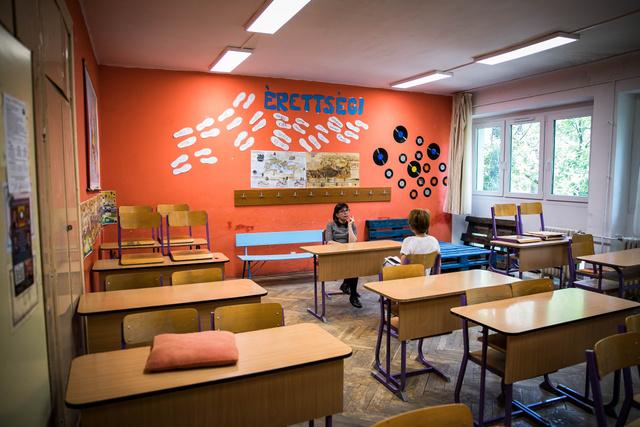 A nehézségek ellenére sikerült élhető környezetet létrehozni az osztályteremben is.