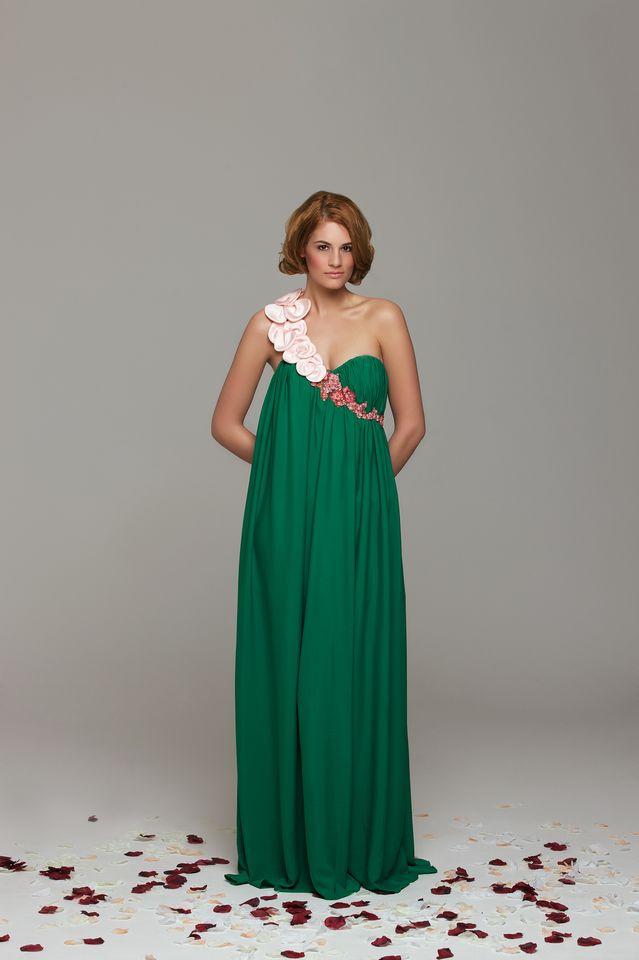 A ssamaryll tervezője, Horváth Barbara is legalább annyira csodálkozott a szereplési lehetőségen, mint mi, amikor megkereste a brit Vogue.