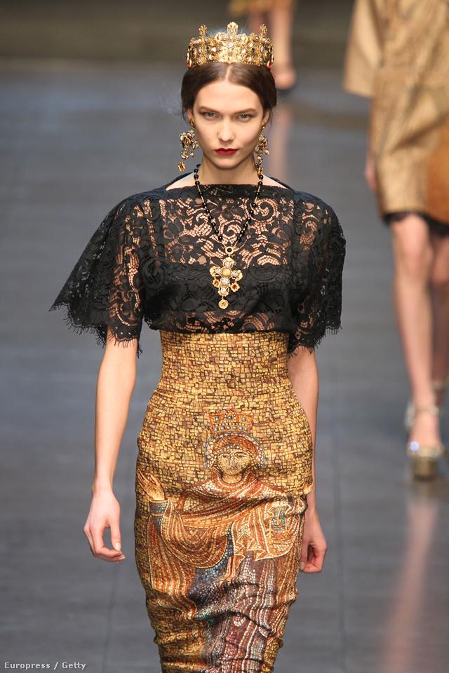 Királynőnek öltözött modellek a Dolce&Gabbana kifutóján