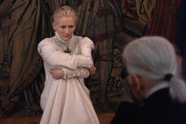 Tilda Swinton a Chanel arcaként