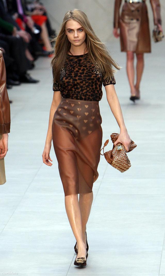 Cara Delevigne Burberry bugyit mutogat a londoni divathéten: itt kezdődött a divat...