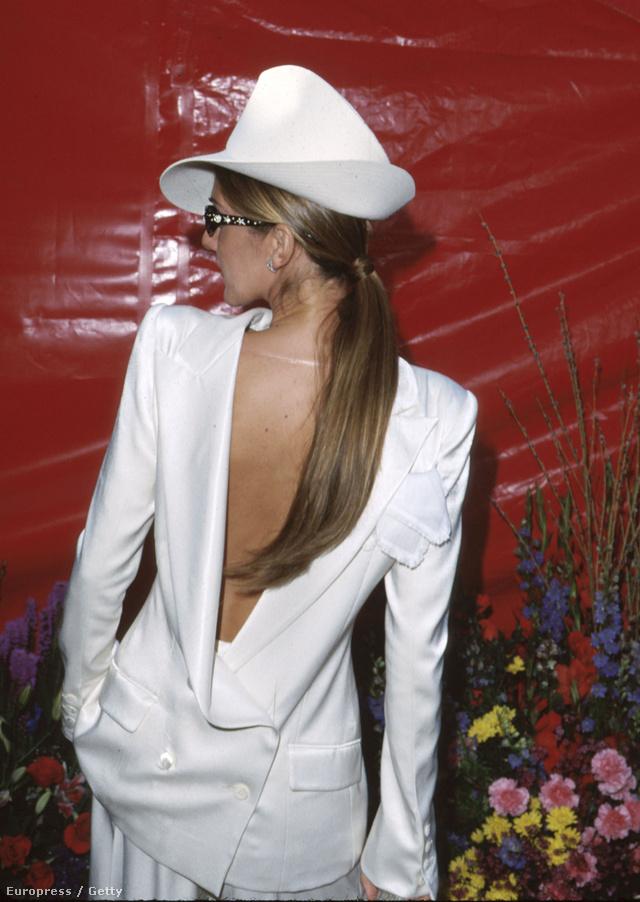 Celine Dion 1999-ben döntött a határozottan így tervezett Dior szmoking mellett