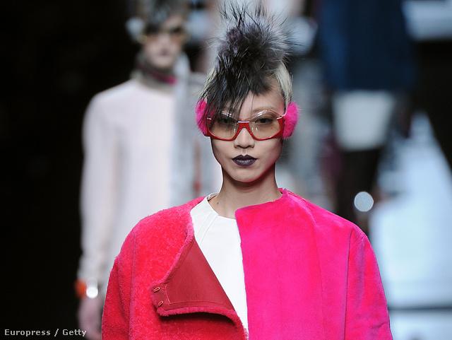 Vágasson hajat! A Fendi szerint 2013 telén ez lesz a divat, próbálja ki már most!