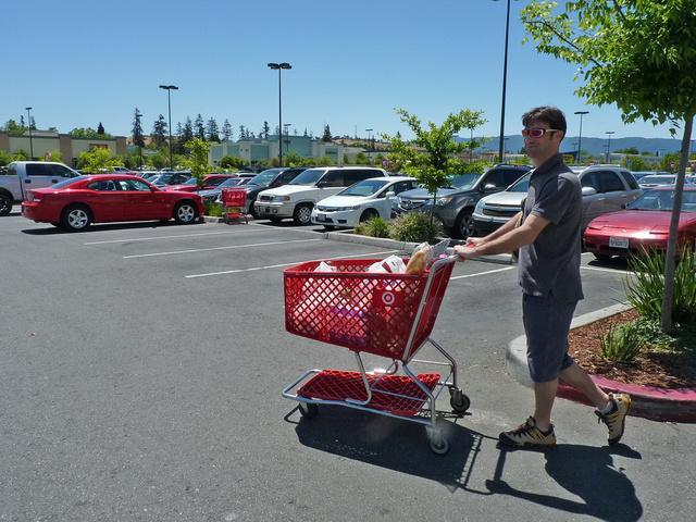 Indulás előtt érdemes egy olcsó hipermarketben bevásárolni