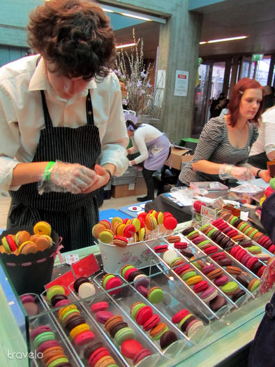 A macaron fő vonzerejét az íze mellett kétségkívül a színe adja