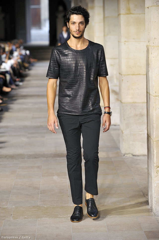 Az Hermès pólója 91500 dollárba kerül. Még forintban is sok.