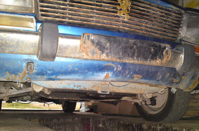 I have no idea how the bumper could rust - it's made of stainles steel and it is considered to last forever