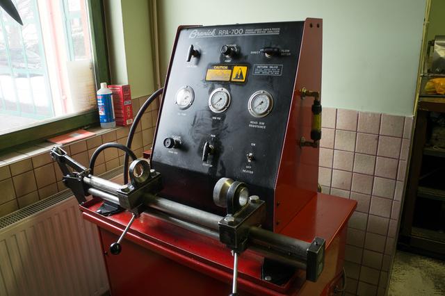 Amerikai kormánymű-tesztelő gép