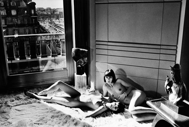 Mannequins reclining, Quai d`Orsay