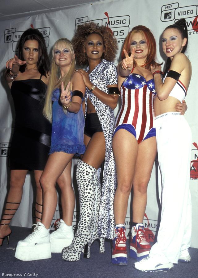 Íme a Spice Girls és a védjegyük, a Buffalo.