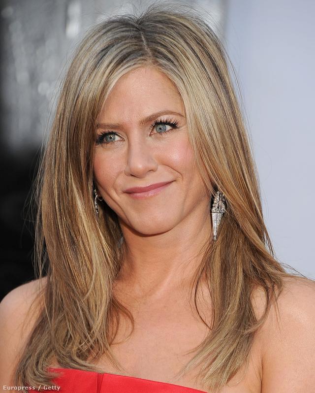 Gondolta volna, hogy Jennifer Aniston vazelinnel keni az arcát?