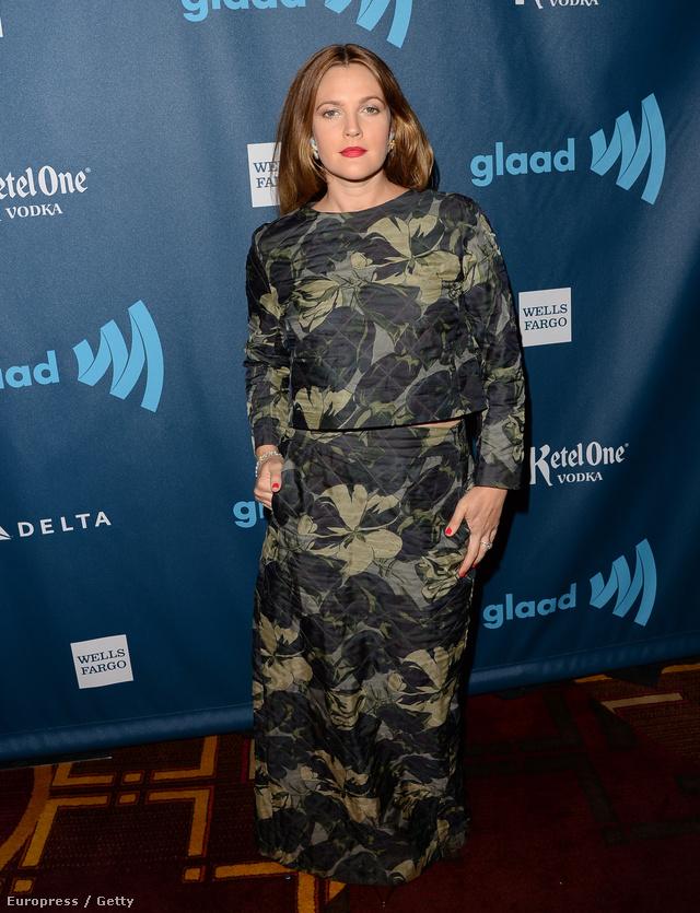 Drew Barrymore így érkezett a 24. éves GLAAD Media díjátadóra.
