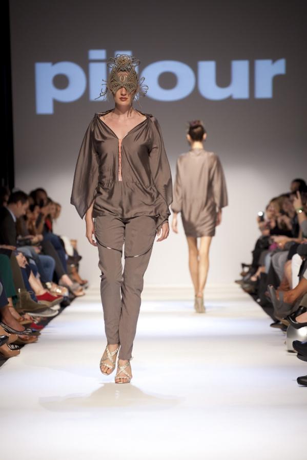 A Pitour tervezője, Maria Oberfrank először 2006 tavaszán rukkolt elő saját kollekcióval.