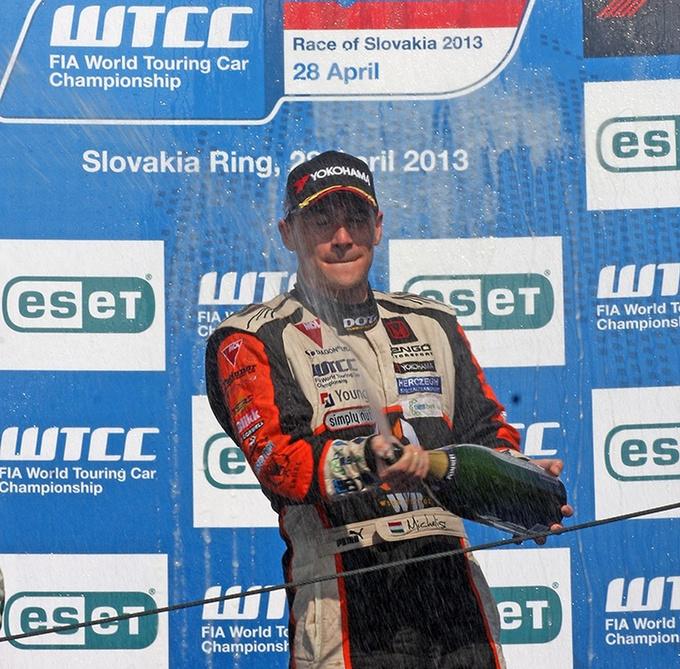 Finally: Michelisz on the podium