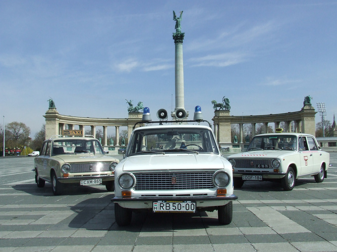 A typical Budapest photo set: the Heroes' Square