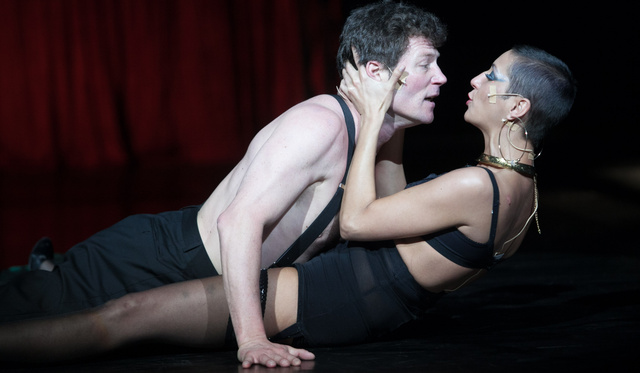 Alföldi Mephistója: a színház, ami valósággá válik