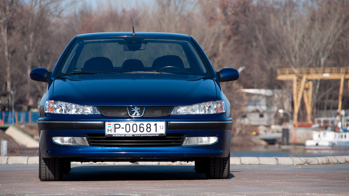 Bad boy bonnet, honeycomb grille - that's a rare occassion of a good facelift