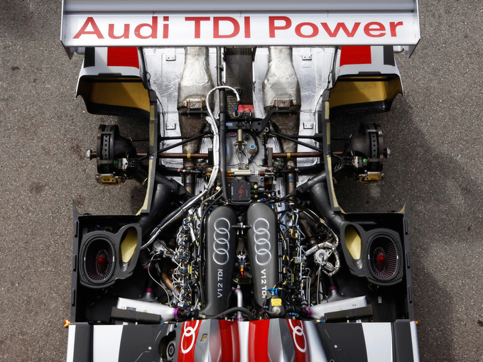 Racing and diesels are coming close to each other: the engine of Audi's R10 Le Mans car