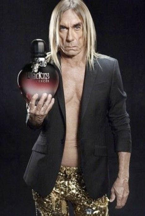 Iggy Pop aranyflitteres gatyában pózol a Paco Rabanne hirdetésén
