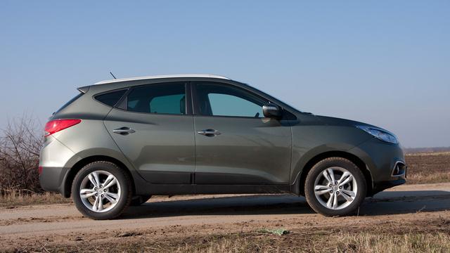 A kép illusztráció. Ez is egy ugyanolyan dízel Hyundai ix35, de nem a félretankolás miatt meghibásodott autó szerepel rajta.