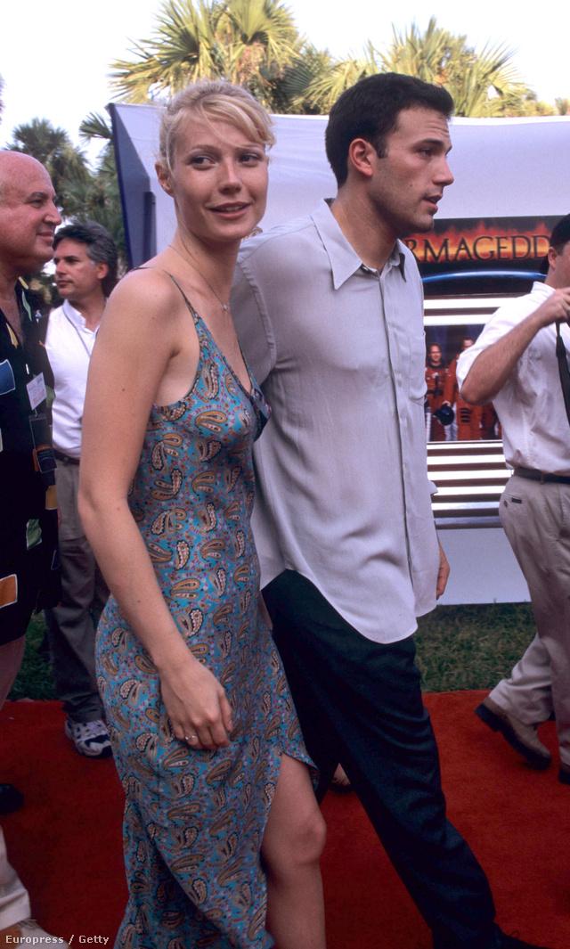 Az azóta az év legjobban öltözött hírességének is megválasztott Gwyneth Paltrow spagettipántos ruhában érkezett az Armageddon 1998-as premierjére