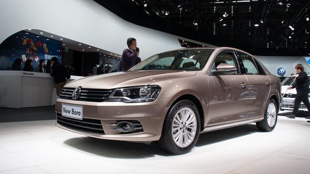 Furcsa stratégia: a VW sok hasonló méretű modellt kínál, (Jetta, Bora, új Santana), eltérő műszaki alapokon