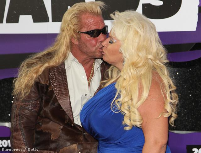 A Chapman házaspár csókja