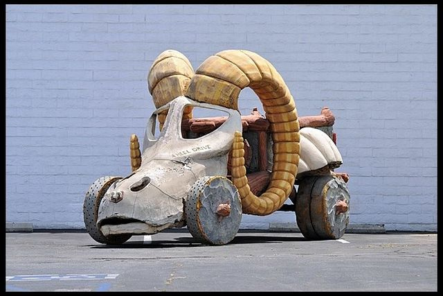 1994-The-Flintstones-Family-Car