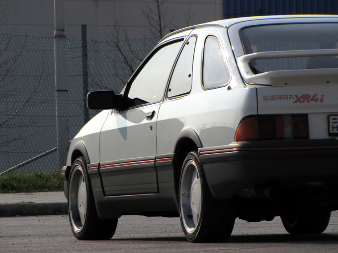 The XR4i was the only three-door model to have three side windows