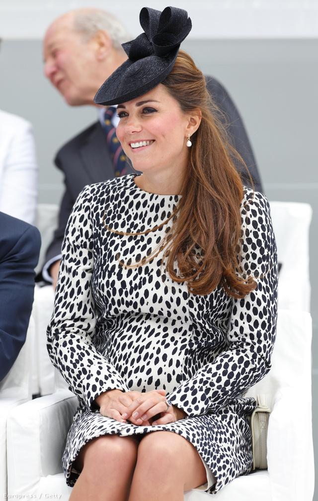 Katalin ruhája 169 fontba, 48 ezer forintba került.