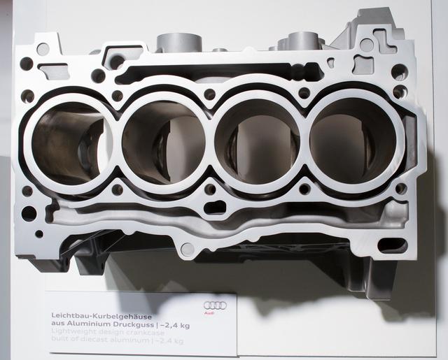 Alumínium blokk a gyengébbik TFSI-hez