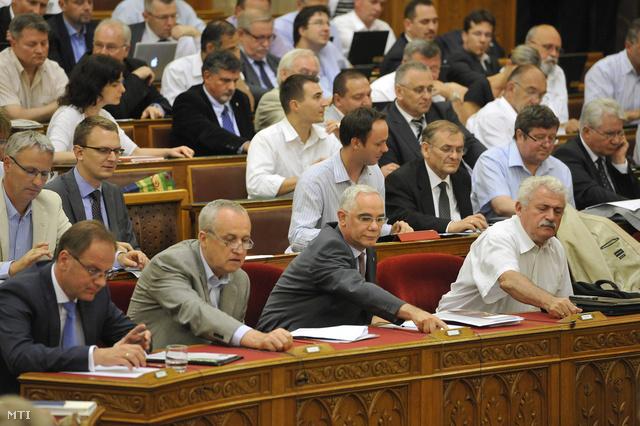 A földtörvény végszavazása a parlamentben