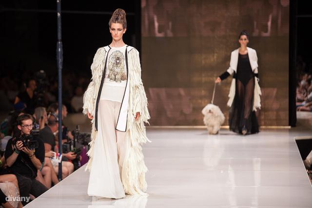A Divatkreátor műsor egyik szülötte, Gyöngyösi Reni is bemutatta kollekcióját, amit egy puli ihletett.
