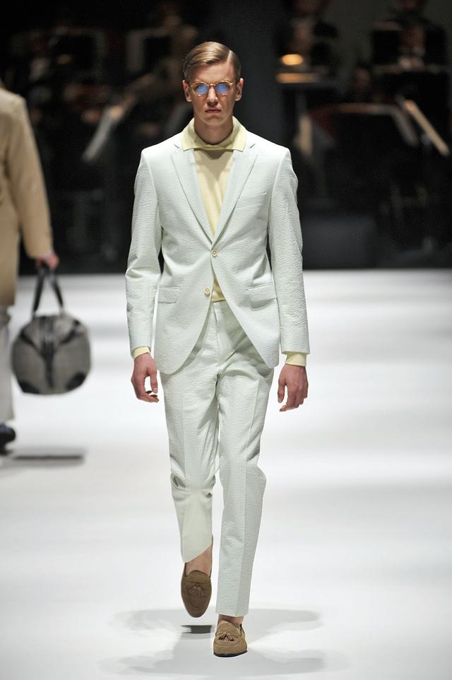 A Hackett London hozza a megszokott klasszikus stílust.