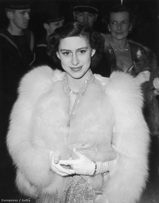 1951: Margit  a Captain Horatio Hornblower című film premierjére igyekszik Londonban. Mindig szerette a bundákat.