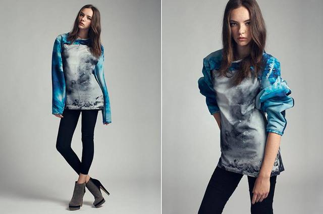 Egyik kedvencünk, a kék, túlméretezett pulóver.