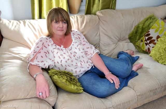 Lisa Andrew, a feleség