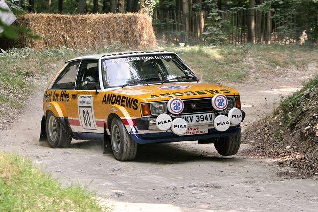 1981-ben egy ilyen Talbot-Sunbeam volt a világbajnoki első helyezett raliautó, s Goodwoodban is szépen megküldte mostani tulajdonosa és pilótája, John Leahy