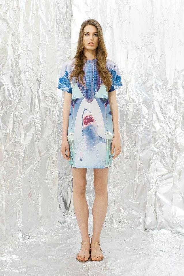 Az egyik kedvenc nyári ruhánk a magyar Daige tervezőitől. 19.990 forint cápával együtt.