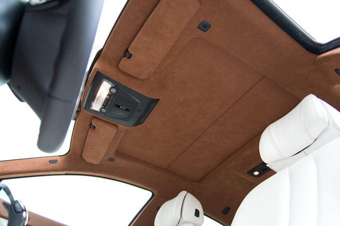 Even the roof is covered with leather-like Alcantara