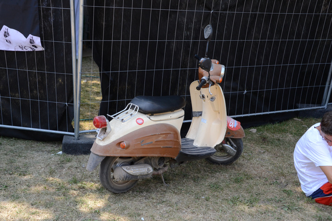 Scooters like these are the real workhorses of Sziget