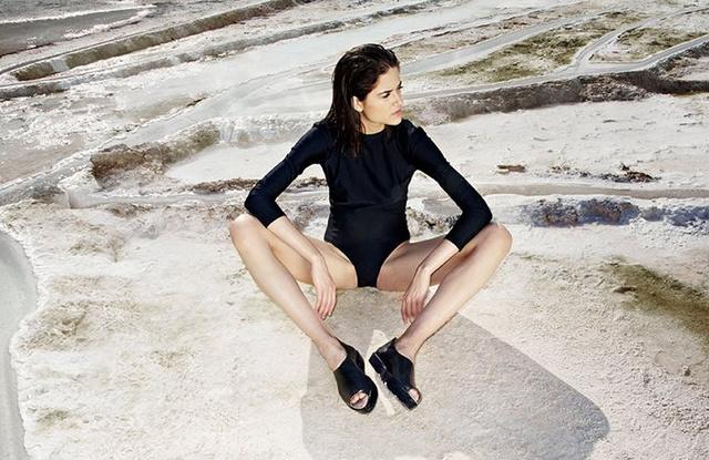 Kondás Kata állt modellt Káldy Júlia 2014-es Resort kollekciójához.