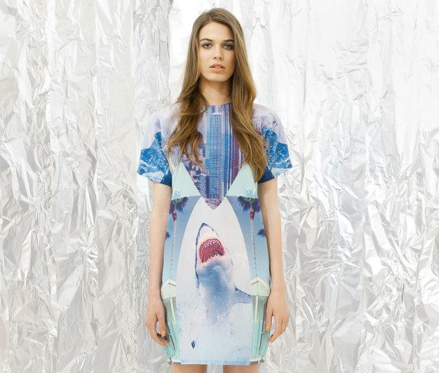 Daige: a cápás ruhához most 15.990 forintért juthatunk hozzá.