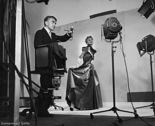 Lisa Fonssagrive pózolása 1949-ből.