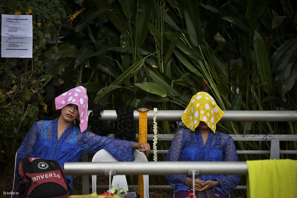Malajziában mindig meleg van, átlagosan 25-30 fok körüli a hőmérséklet, ami nagyon magas                          páratartalommal párosul.