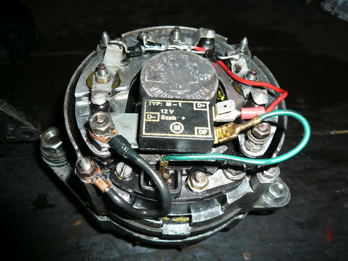 The broken alternator after the first cleaning