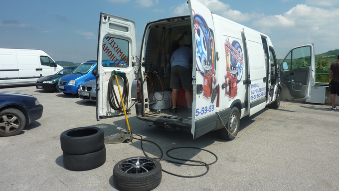 The mobile tyre-service was free for all participants
