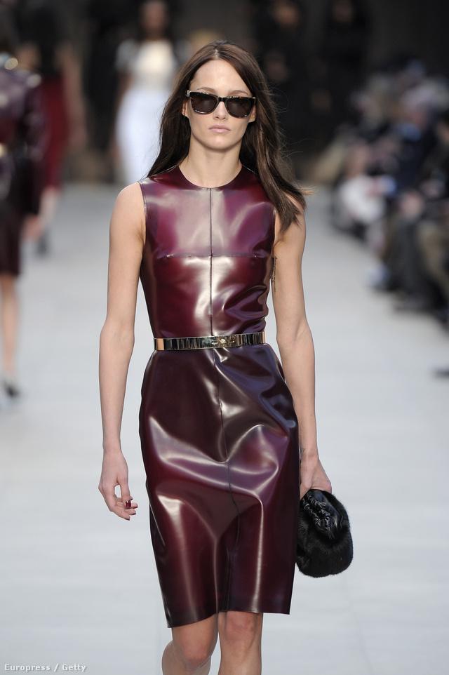 A Burberry Prorsum 2013. február 18-án megmutatta Londonban, mi lesz a divat. Nem hittük el, de tényleg újra tarol a PVC.