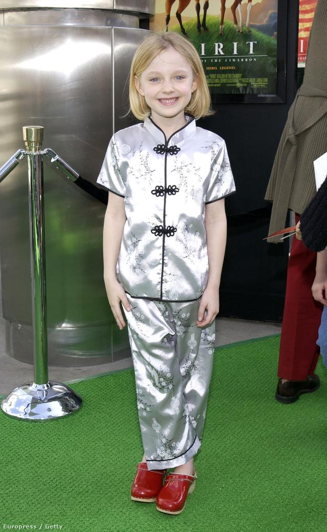 Gésának öltözve egy hollywoody-i filmpremieren.