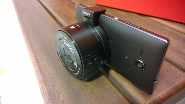 A Sony külső kamerája telefonra illesztve